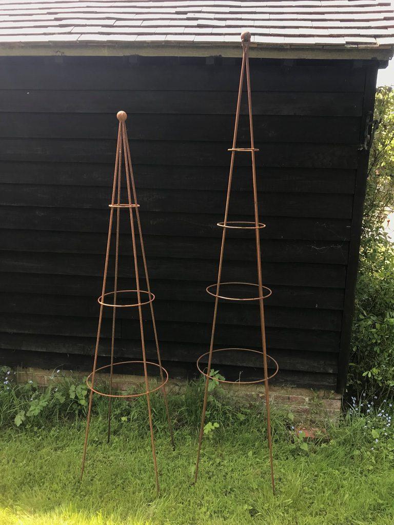 Charlton Ironworks - Obelisk Standard Tall